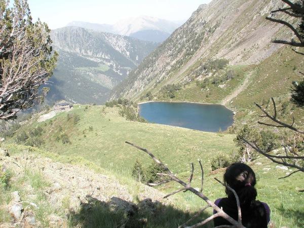 Refugio de Comapedrosa y Lago de les Truites
