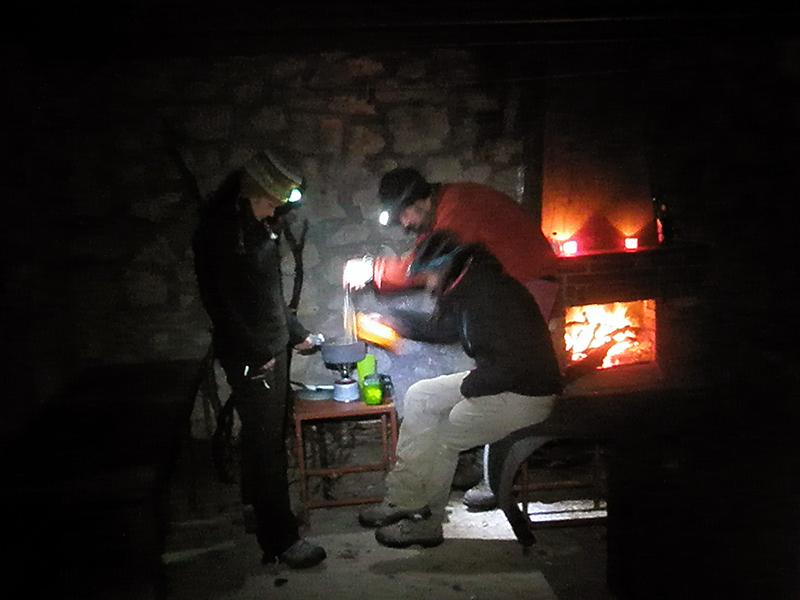 Preparando la cena refugio del frade