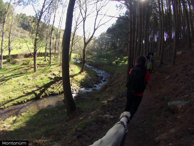 ruta cascada del hornillo robledondo